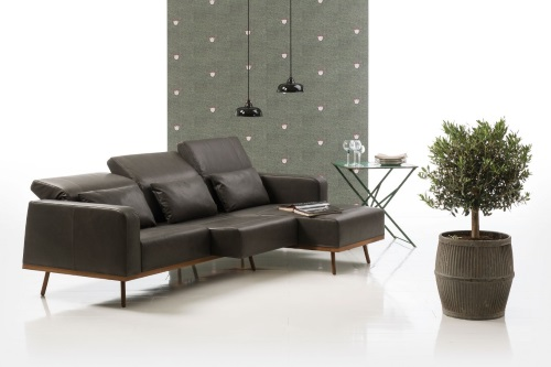 Bruehl deep space met chaise lounge